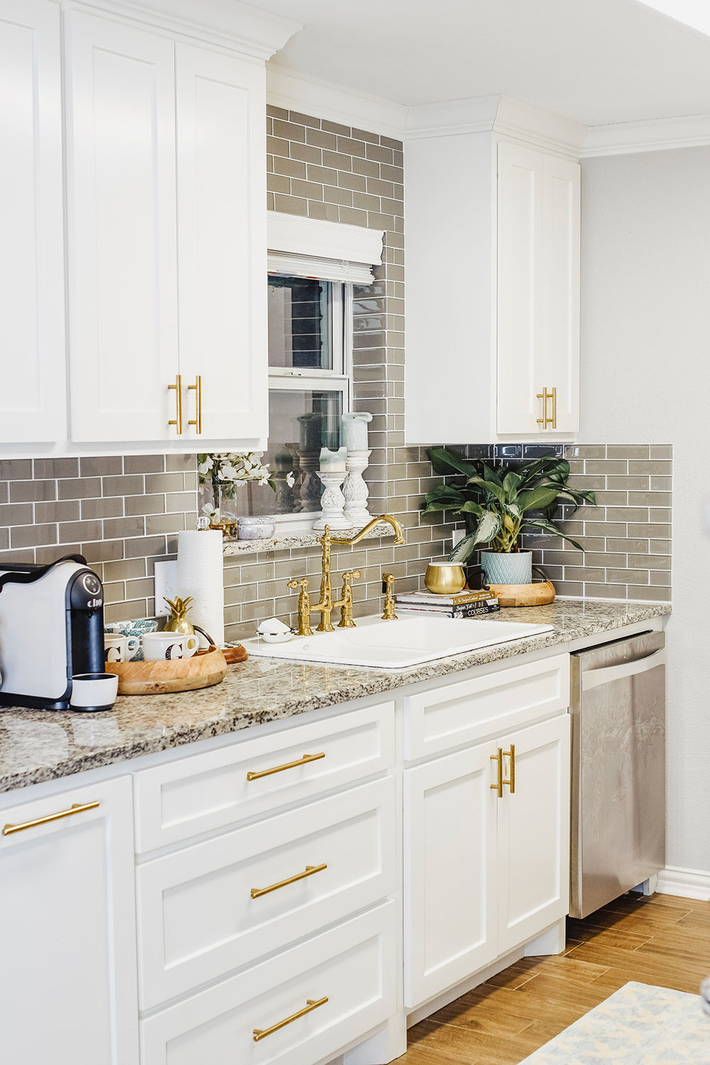 Small Kitchen Designs: Our Kitchen Sink Woes + Our Small Kitchen Reveal